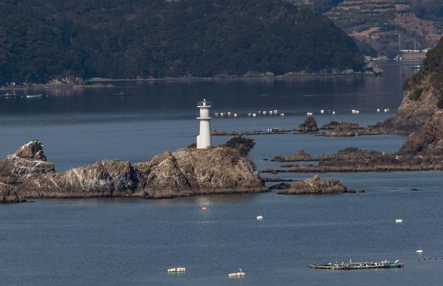 間鼻島灯台