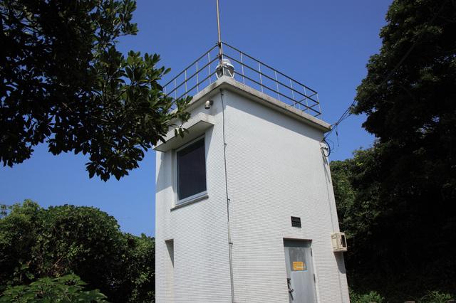 大江港灯台