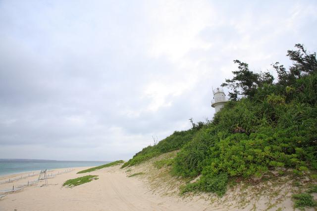 瀬底島灯台