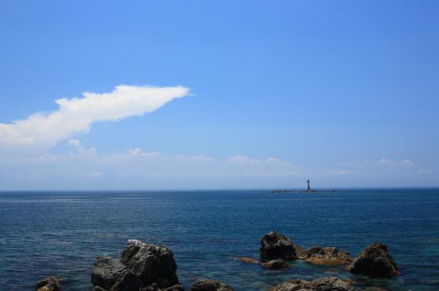 中磯灯台(産湯埼沖)